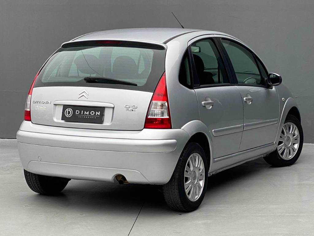 Foto numero 3 do veiculo Citroën C3 Exclusive 1.4 - Prata - 2010/2011