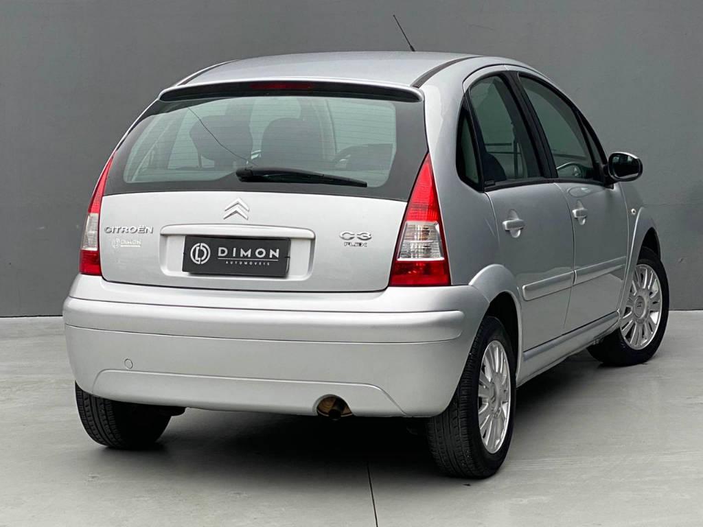 Foto numero 4 do veiculo Citroën C3 Exclusive 1.4 - Prata - 2010/2011