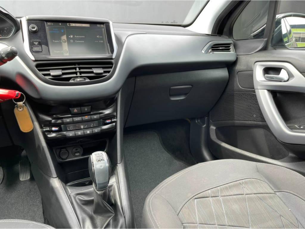 Foto numero 6 do veiculo Peugeot 208 GRIFFE 1.6 - Preta - 2013/2014