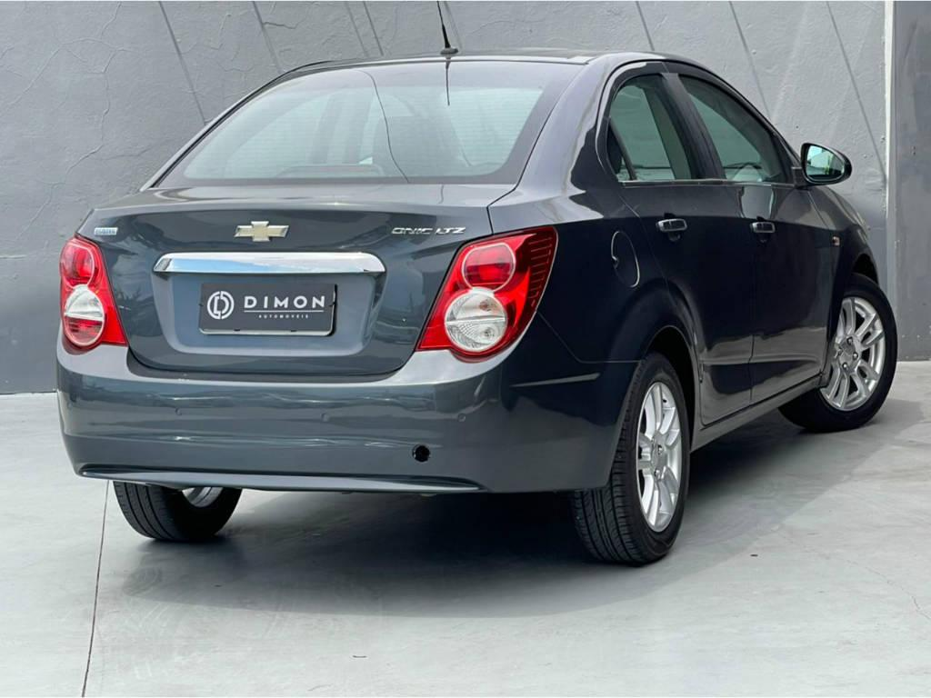 Foto numero 4 do veiculo Chevrolet Sonic SEDAN LTZ 1.6 MT - Cinza - 2012/2013