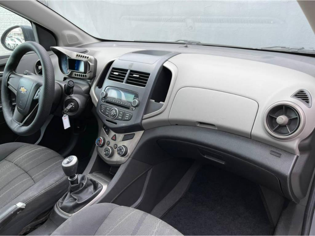 Foto numero 9 do veiculo Chevrolet Sonic SEDAN LTZ 1.6 MT - Cinza - 2012/2013