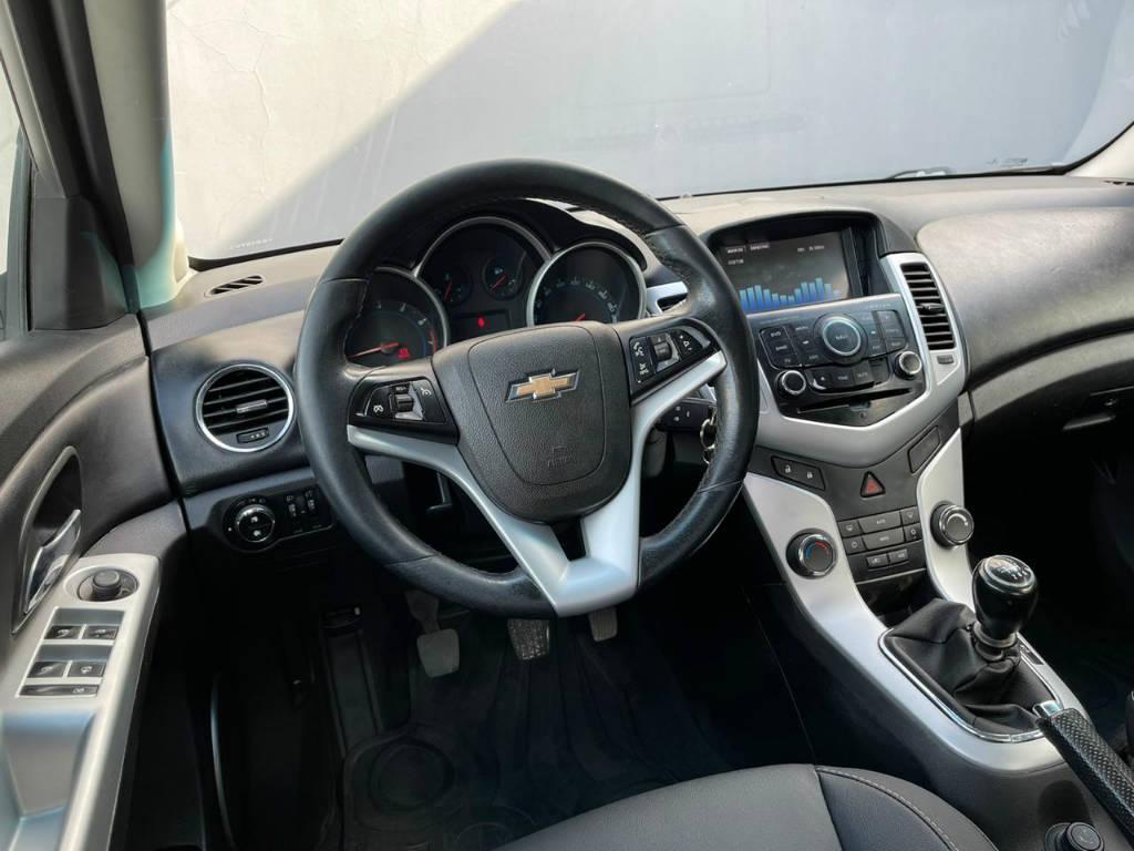 Foto numero 6 do veiculo Chevrolet Cruze LT1.8 - Prata - 2013/2014