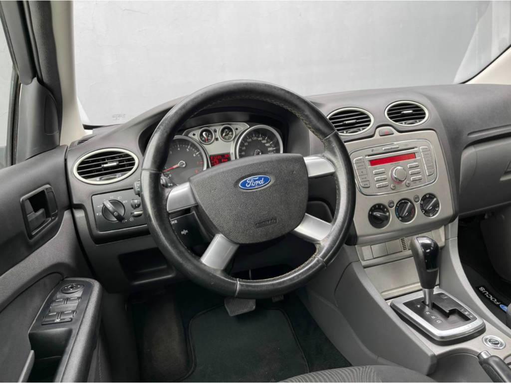 Foto numero 6 do veiculo Ford Focus Sedan 2.0 AUT - Prata - 2013/2013