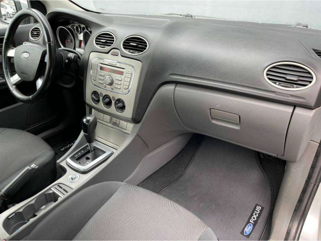 Foto numero 9 do veiculo Ford Focus Sedan 2.0 AUT - Prata - 2013/2013