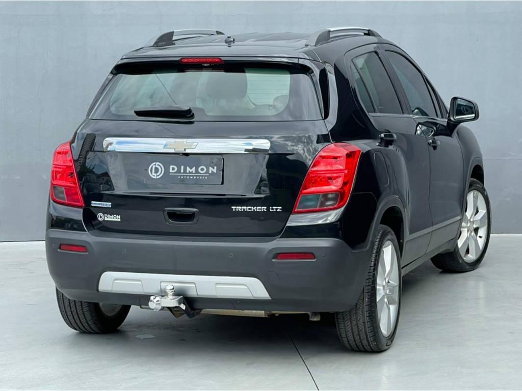 Foto numero 4 do veiculo Chevrolet Tracker LTZ 1.8 AUT - Preta - 2013/2014