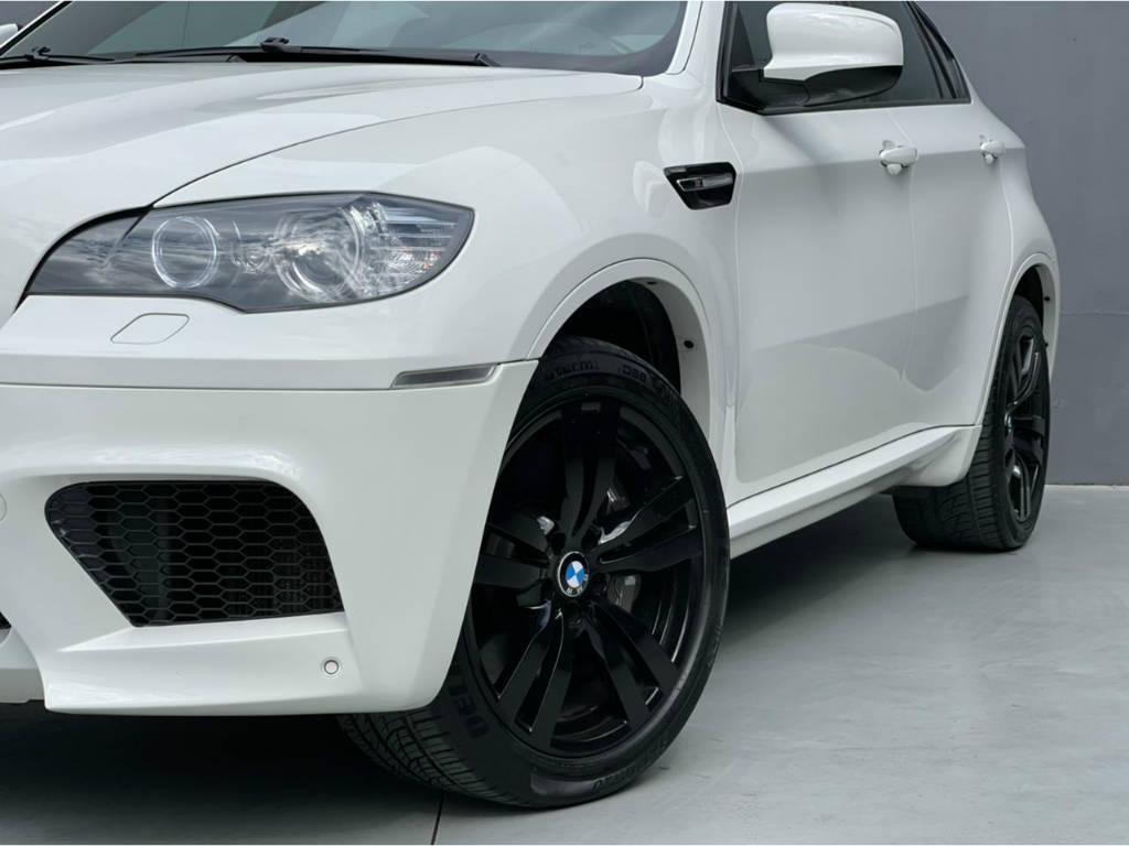 Foto numero 4 do veiculo BMW X6 M 4.4 - 4X4 V8 BI TURBO - Branca - 2011/2011