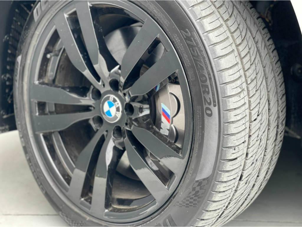 Foto numero 8 do veiculo BMW X6 M 4.4 - 4X4 V8 BI TURBO - Branca - 2011/2011