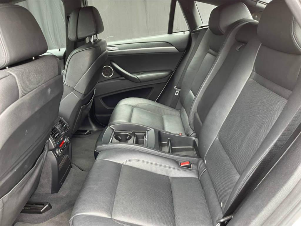 Foto numero 16 do veiculo BMW X6 M 4.4 - 4X4 V8 BI TURBO - Branca - 2011/2011