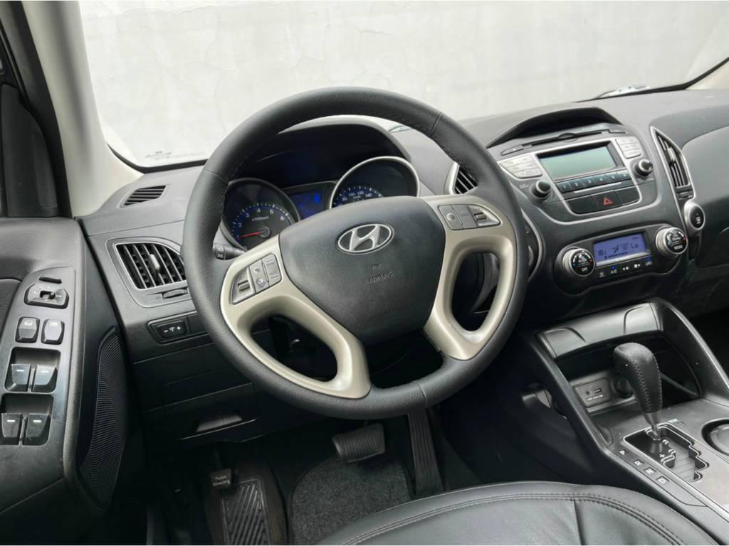 Foto numero 6 do veiculo Hyundai ix35 2.0 AUT - Preta - 2011/2012
