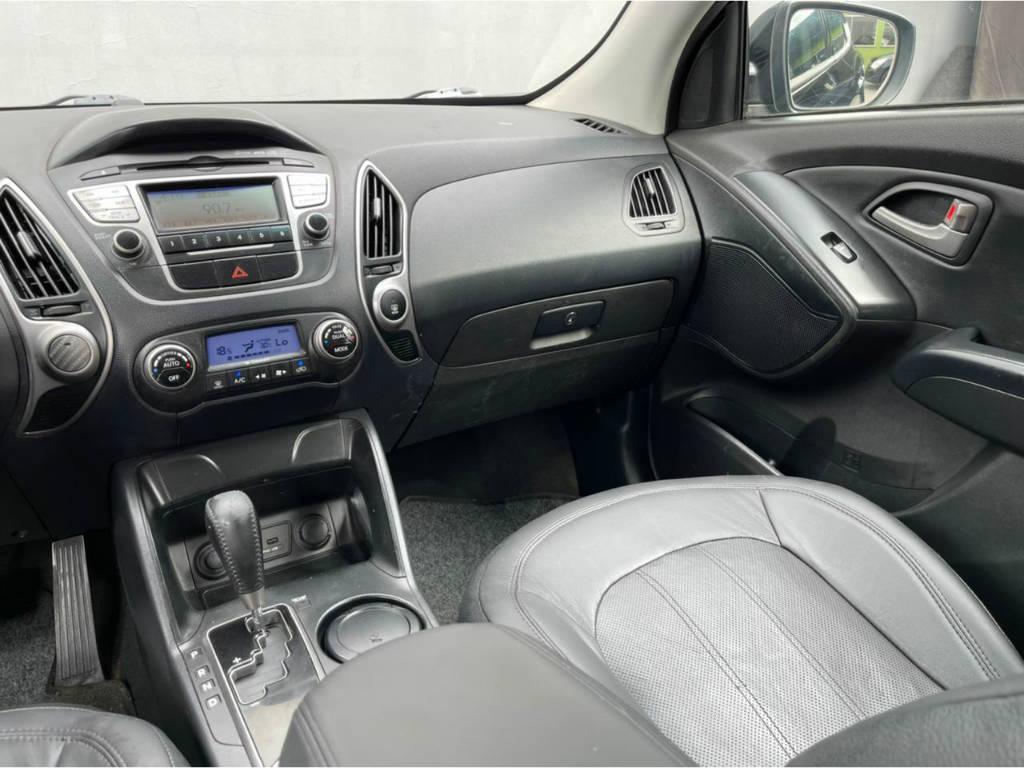 Foto numero 7 do veiculo Hyundai ix35 2.0 AUT - Preta - 2011/2012