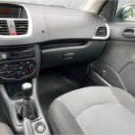 Foto numero 7 do veiculo Peugeot 207 1.4 ACTIVE - Prata - 2013/2014