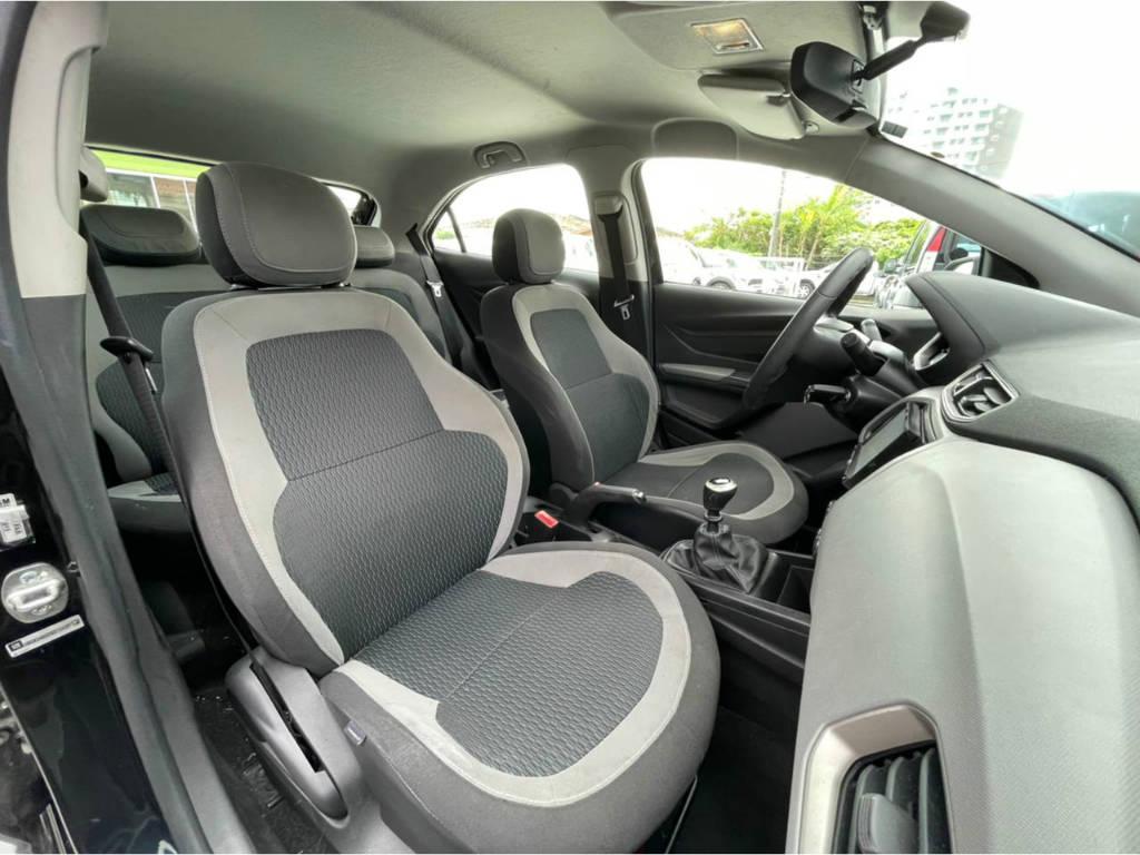 Foto numero 8 do veiculo Chevrolet Onix 1.0 LT - Preta - 2015/2016
