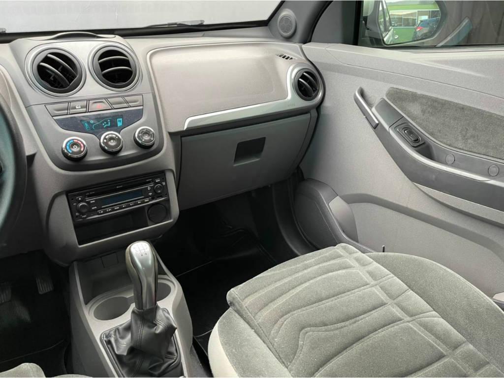 Foto numero 7 do veiculo Chevrolet Agile LTZ 1.4 - Prata - 2013/2013