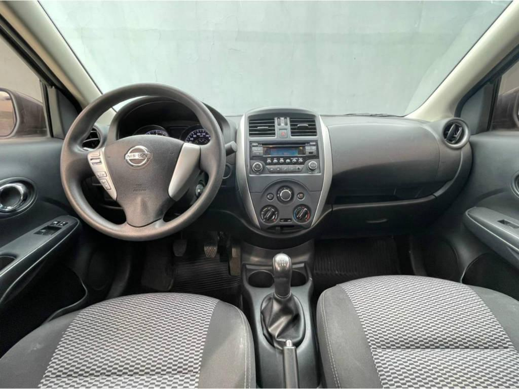 Foto numero 5 do veiculo Nissan Versa 1.6 SV - FLEXSTART - Cinza - 2015/2016