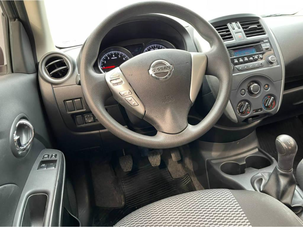 Foto numero 6 do veiculo Nissan Versa 1.6 SV - FLEXSTART - Cinza - 2015/2016