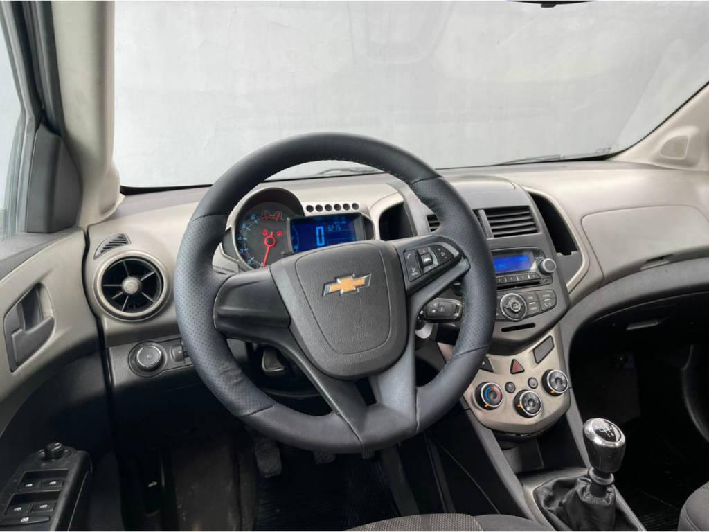 Foto numero 6 do veiculo Chevrolet Sonic 1.6 LT - Branca - 2013/2013
