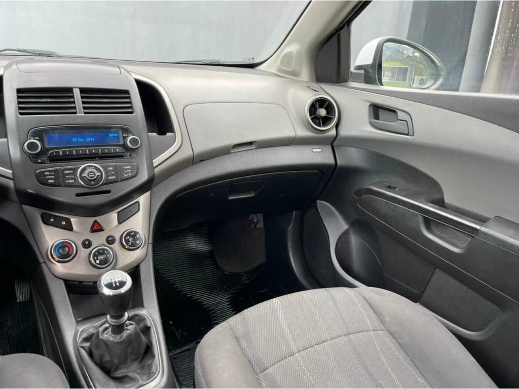 Foto numero 7 do veiculo Chevrolet Sonic 1.6 LT - Branca - 2013/2013