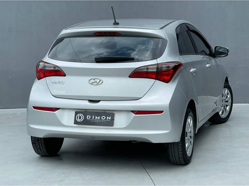 Foto numero 4 do veiculo Hyundai HB20 CONF PLUS 1.0 - Prata - 2019/2019