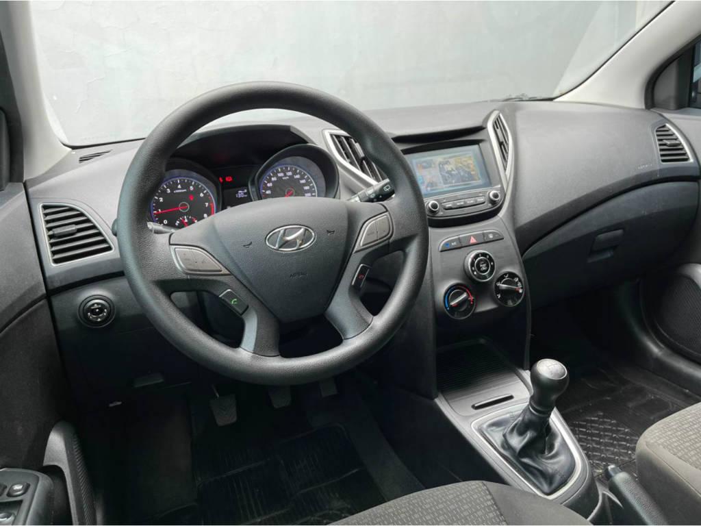 Foto numero 6 do veiculo Hyundai HB20 CONF PLUS 1.0 - Prata - 2019/2019