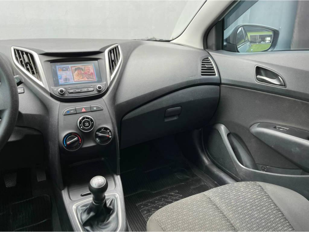 Foto numero 7 do veiculo Hyundai HB20 CONF PLUS 1.0 - Prata - 2019/2019