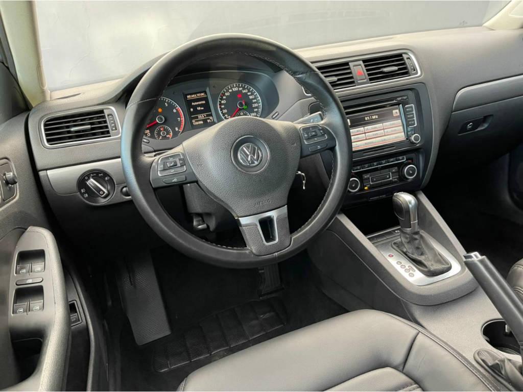 Foto numero 6 do veiculo Volkswagen Jetta HIGHLINE 2.0 TSI - Prata - 2011/2011