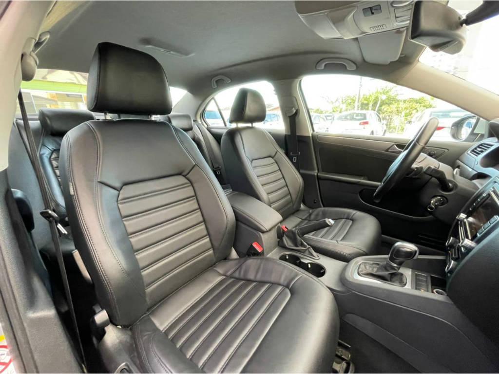 Foto numero 10 do veiculo Volkswagen Jetta HIGHLINE 2.0 TSI - Prata - 2011/2011
