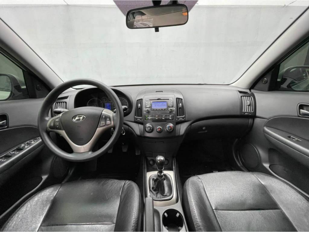 Foto numero 5 do veiculo Hyundai I30 2.0 MT - Prata - 2011/2012