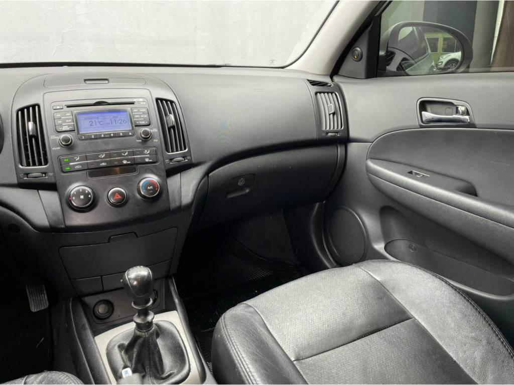 Foto numero 7 do veiculo Hyundai I30 2.0 MT - Prata - 2011/2012