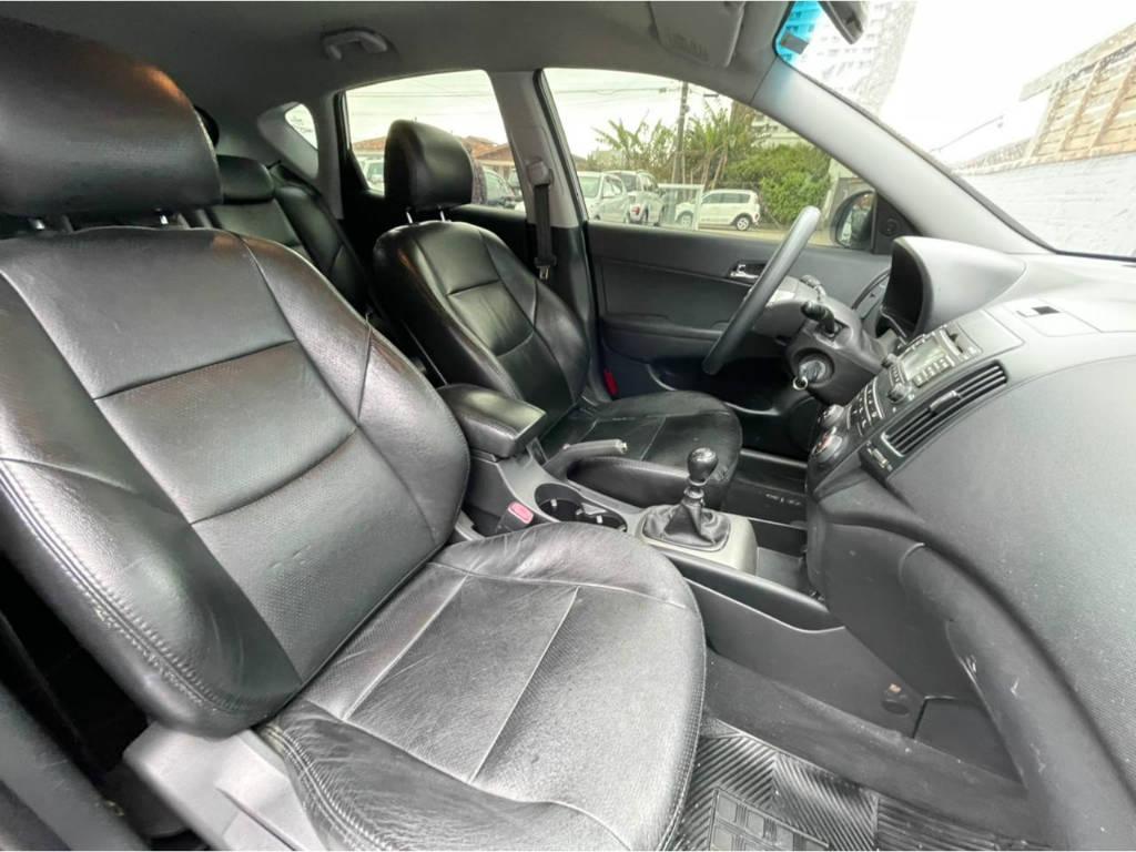 Foto numero 8 do veiculo Hyundai I30 2.0 MT - Prata - 2011/2012