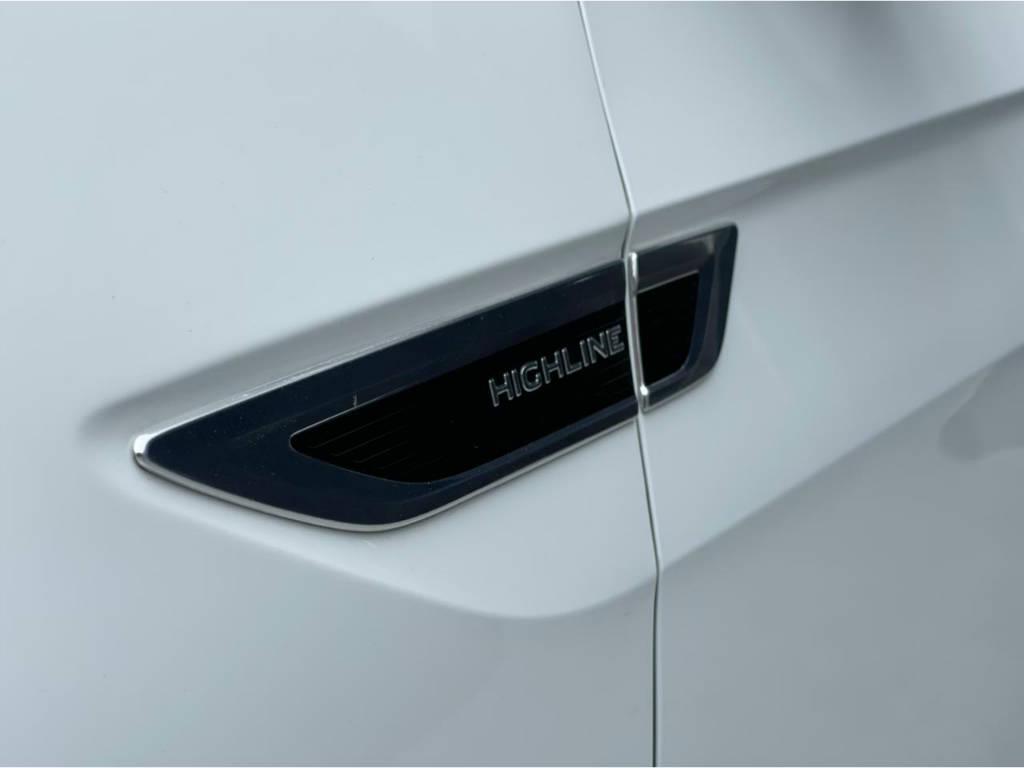 Foto numero 3 do veiculo Volkswagen T-Cross HIGHLINE 1.4 TSI - Branca - 2021/2021